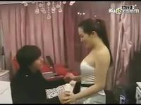 帅哥被美女强行拉上床后・・・搞笑
